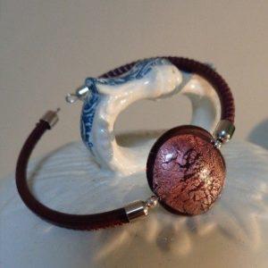 Bracelet perle mauve avec feuille...