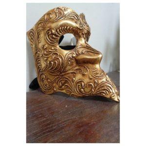 Masque Bauta en papier mâché