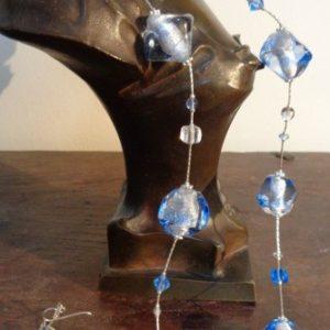 Parures perles bleues semi iridescentes...