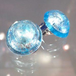Boucles d'oreilles clips bleues claires